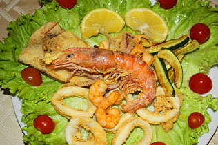 Fritto misto di Pesce - Cin Cin Bar Restaurant & Cafe' - MILANO