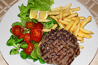 Hamburger con patatine - Cin Cin Bar Restaurant & Cafe' - MILANO