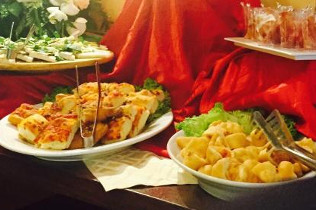Aperitivo a buffet dalle 18 alle 21 - Cin Cin Bar Restaurant & Cafe' - MILANO